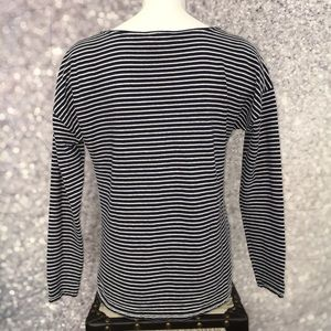 Vineyard Vines Tops - Vineyard Vines Striped T-Shirt M